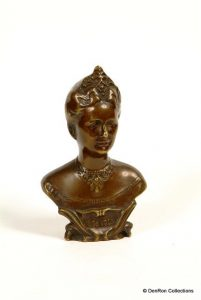 Buste van brons Koningin Wilhelmina 1923