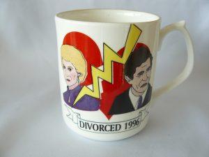 Beker t.g.v de officiële scheiding in 1996.
