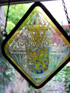 Raamhanger gemaakt voor het zilveren jubileum van koningin Wilhelmina 1923. Maker niet bekend.