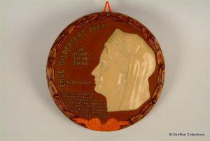 plaquette ter herinnering aan het feit dat Wilhelmina naar Londen was gevlucht