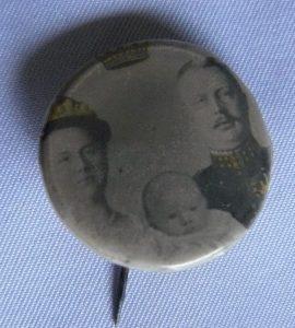 Button ter herinnering aan de geboorte van prinses Juliana 1909