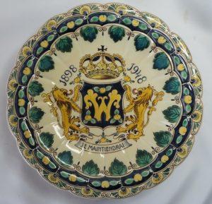 Zeldzaam bord Wilhelmina 1898-1948 Gemaakt door Velsen Sassenheim